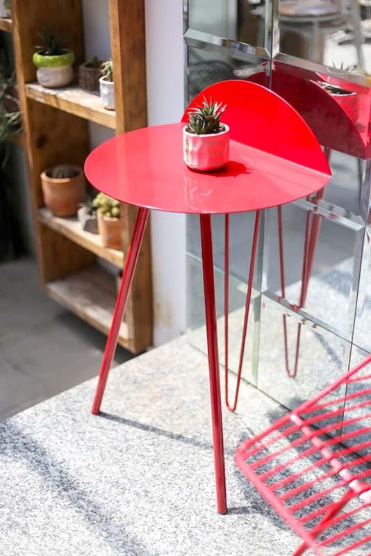 bàn góc dựa tường SHAFT Red