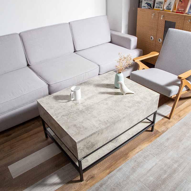 Chất liệu ván An Cường Acrylic màu xám giúp chiếc bàn cafe GLITTER thêm trang nhã, thích hợp với những không gian hiện đại, tối giản mà sang trọng.