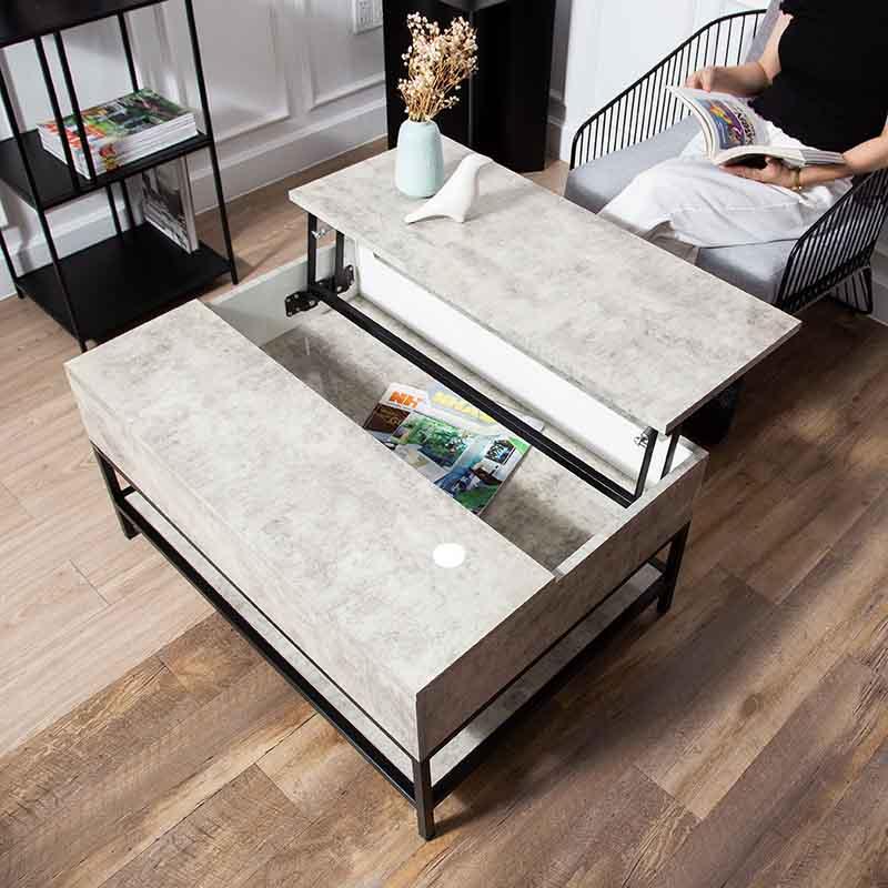 Hộc bàn bên trong rộng, có thể chứa được nhiều đồ dùng cần thiết.