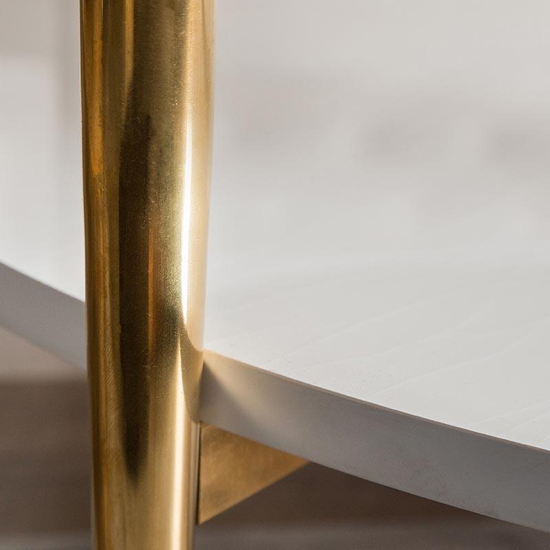Mặt bàn được cắt và vát cạnh đều, đẹp, tăng tính thẩm mỹ.