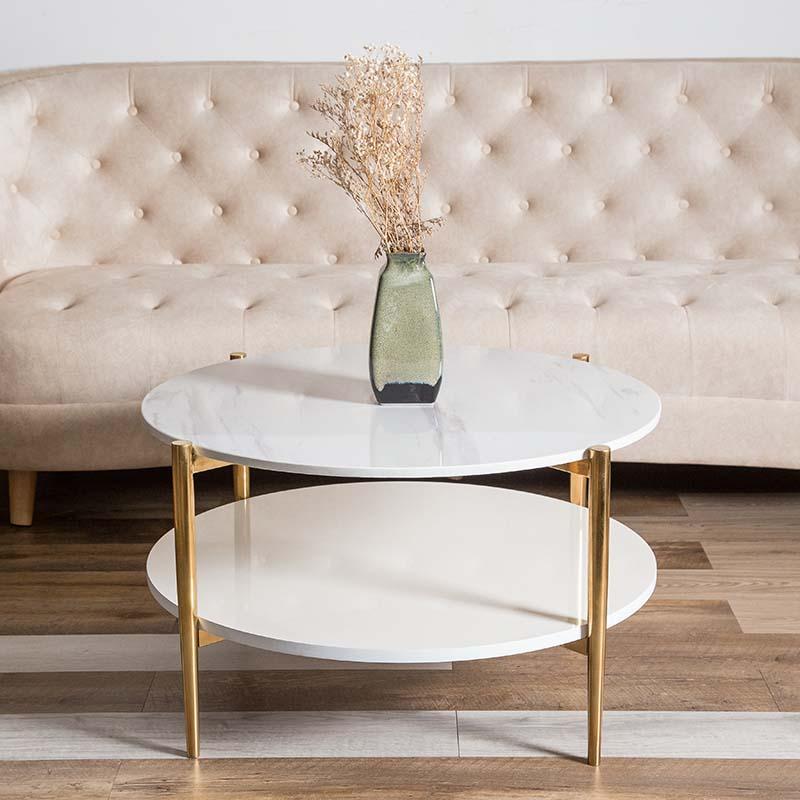 Hai mặt bàn song song từ đá trắng vân mây sang trọng, có thể dùng đặt được nhiều đồ vật và trang trí, tối ưu công năng.
