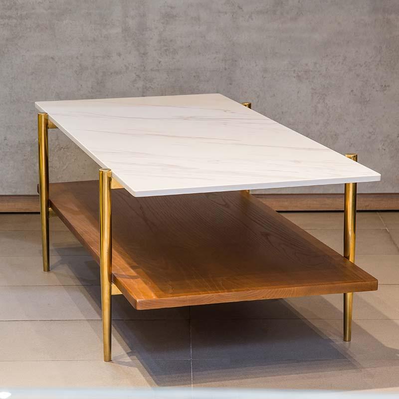Mặt bàn trên là đá trắng sang trọng với vân mây nhẹ nhàng, dễ lau chùi, độ bền cao, chống thấm nước tốt.