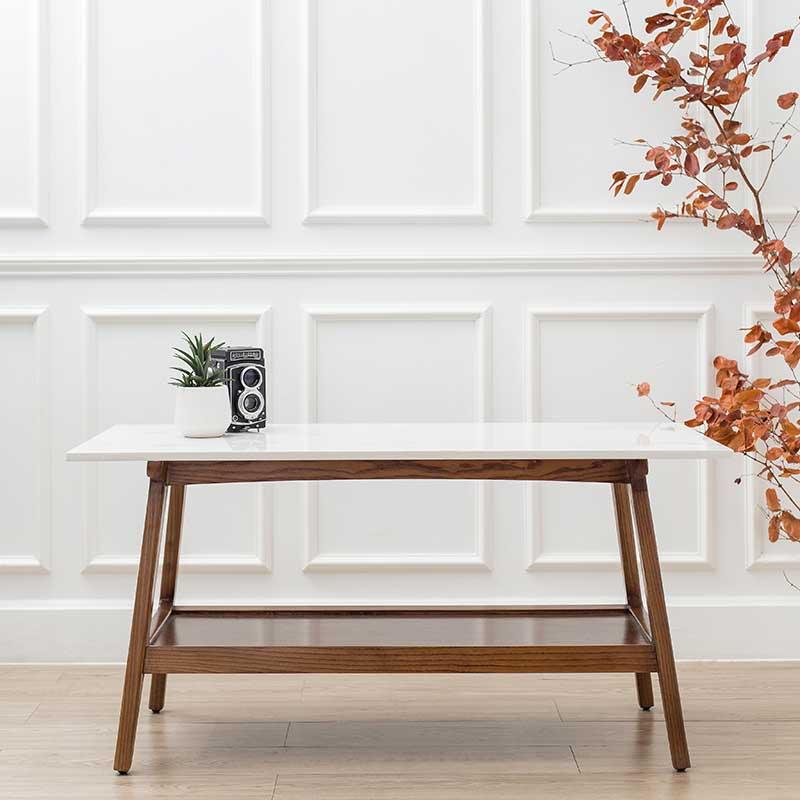 Mặt bàn cafe MADISON là đá trắng vân mây quý phái, tạo điểm nhấn sáng cho không gian.