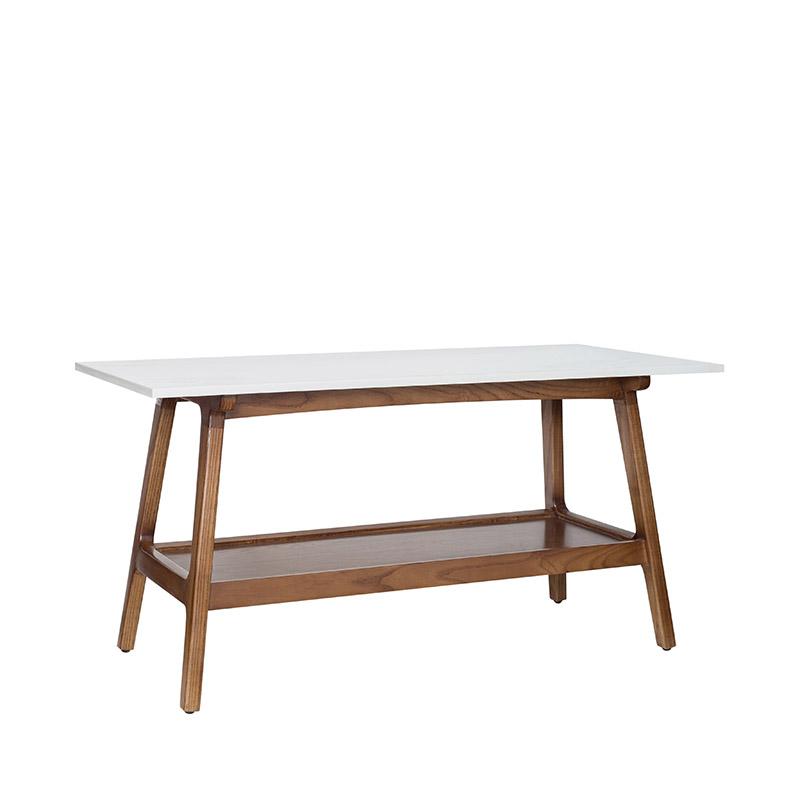 Chân bàn cafe MADISON từ gỗ tần bì bền đẹp, kiểu dáng xéo đều 4 gốc chắc chắn.