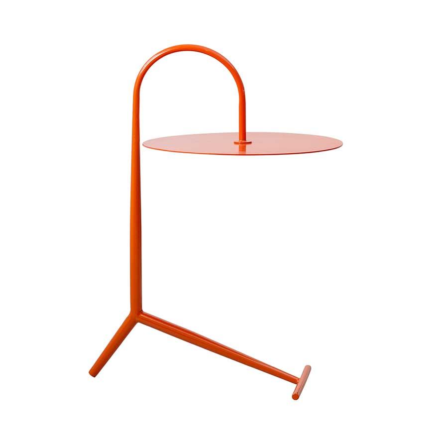 Chân bàn thiết kế độc đáo, gọn gàng, đảm bảo thăng bằng cho bàn.