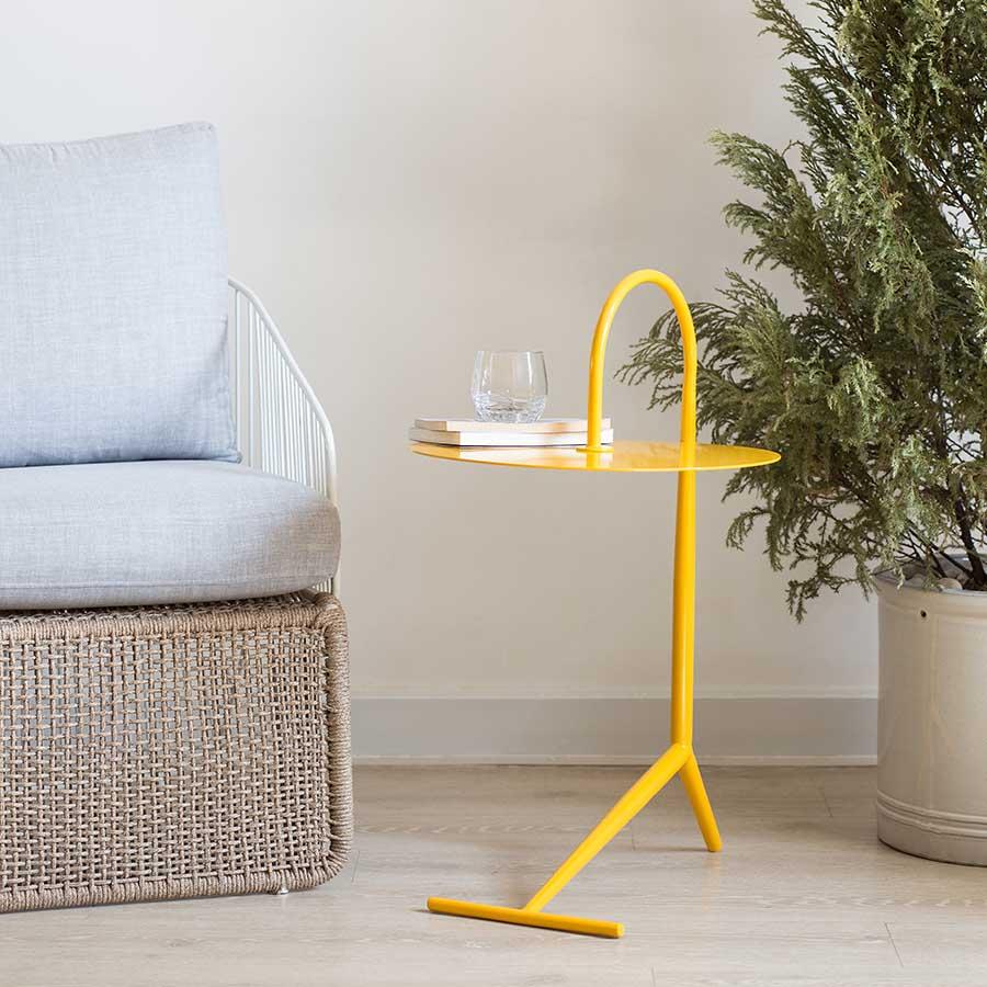 Bàn DROOPY Yellow dùng để trang trí hoặc làm bàn trà xinh xắn