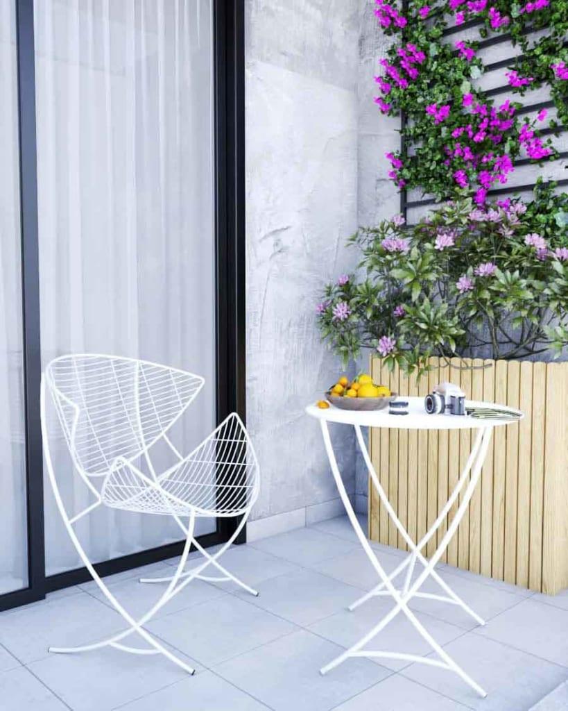 Bộ bàn ghế KITE xinh xắn với màu trắng tinh khôi, kiểu dáng tinh tế, mang lại cảm giác thư giãn và thẩm mỹ cao cho ban công.