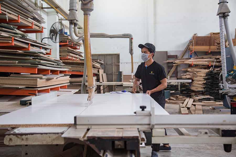 Sự kết hợp giữa máy móc và con người rất quan trọng để tạo nên một sản phẩm hoàn mỹ.