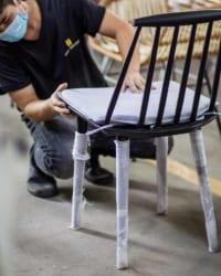 ghế gỗ sồi sơn đen