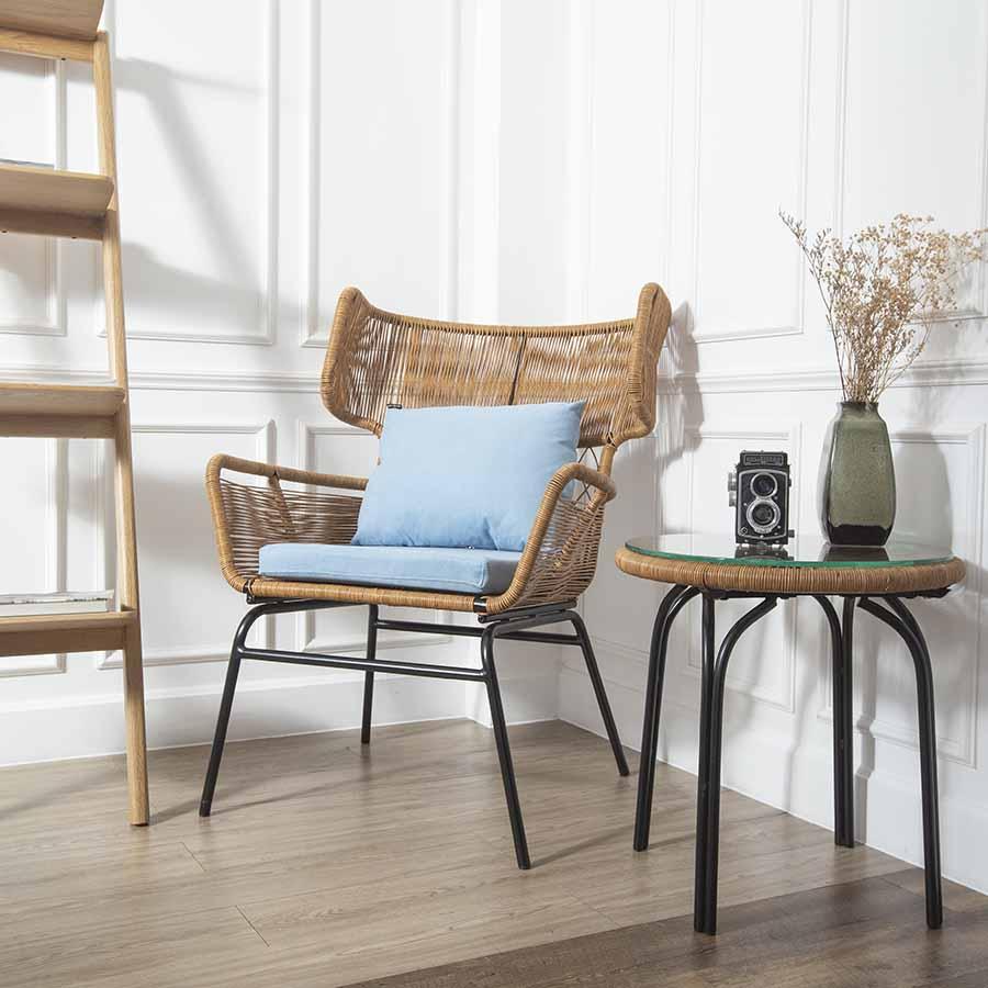 Bộ bàn ghế LADON đan dây giả mây chắc chắn, tạo không gian mộc mạc, gần gũi tự nhiên ngay trong chính ngôi nhà của bạn.