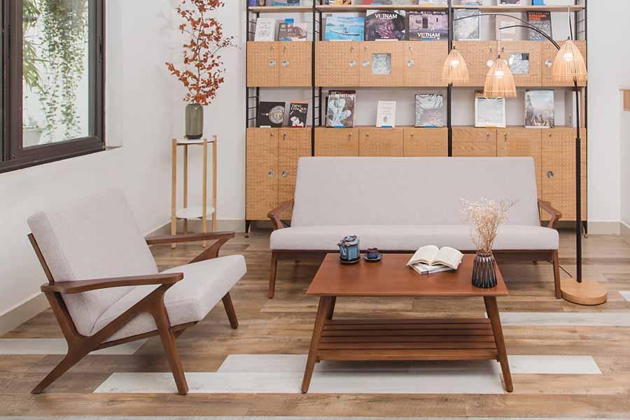 Ghế bành PATIO đặt trong phòng khách cho không gian thêm sang trọng.